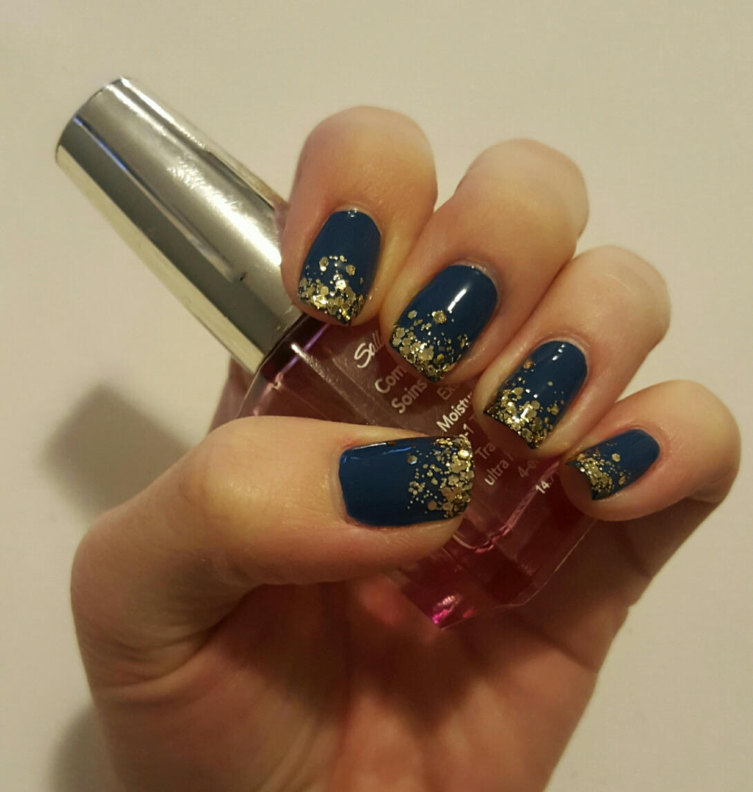 Fancy nails you can do yourself tabella talks blue with gold solutioingenieria Images